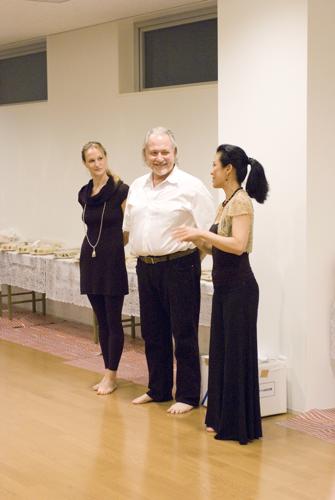 ISHTA YOGA TEACHER マック久美子からのメッセージ-opening party