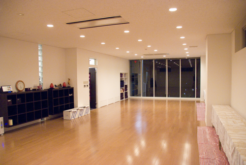 ISHTA YOGA TEACHER マック久美子からのメッセージ-new studio