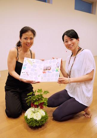 ビーヨガジャパン200時間インストラクター養成コース 代表のマック久美子とシニアインストラクターの青木 加寿恵