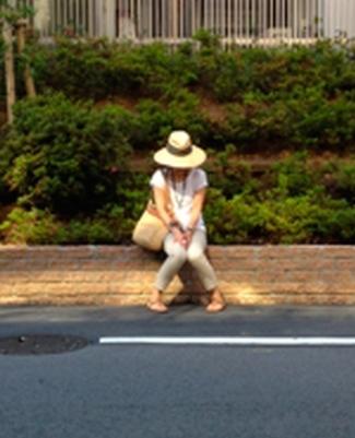 2014-sitting-at roadside-japan-crop