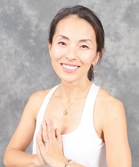 Emi Smith, a certified instructor at Be Yoga Japan, Hiroo, Tokyo