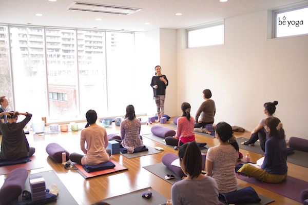 Kumiko Mack teaching Ishta yoga at Be Yoga Japan, Hiroo, Tokyo 2