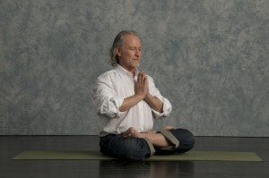 2008 Alan Finger, a yoga Senior Instructor & founder of Ishta yoga