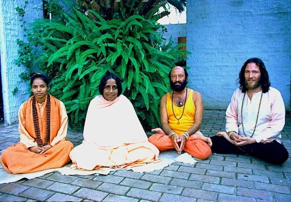 Mani & Alan Finger Matagi Saraswati